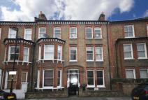 6 bed house in Tremadoc Road...