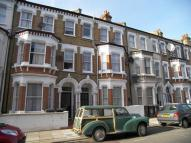 Tremadoc Road Flat to rent