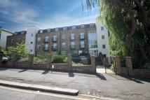 2 bed Flat to rent in Cedars Road...