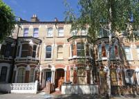 Flat to rent in St Luke Avenue, Clapham...