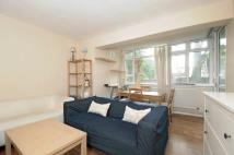 Flat to rent in Smithwood Close...