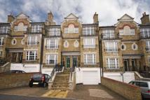 5 bedroom property in Southlands Drive...