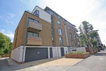 Flat to rent in Trinity Road, Wimbledon...