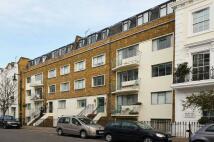 Studio flat in Moreton Place, Pimlico...