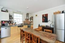 2 bedroom Flat in West Warwick Place...