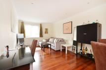 Flat to rent in Elverton Street...
