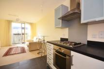 Flat to rent in Grosvenor Waterside...