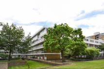 4 bed Flat in Churchill Gardens...
