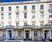Studio flat in Gloucester Street...