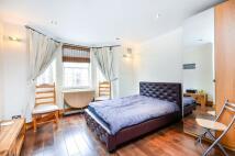 2 bedroom Flat in Ebury Bridge Road...