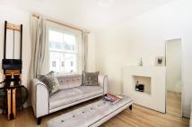 2 bed Flat to rent in Belgrave Road, Pimlico...