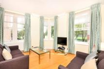Flat to rent in Walcott Street...