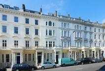 Flat to rent in St Georges Drive...