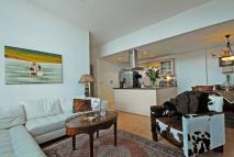 Flat to rent in Montaigne Close...