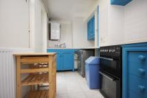 Ground Flat to rent in Marlborough Road, N19 4NB