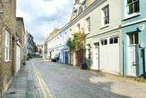 Mews to rent in Lexham Mews...