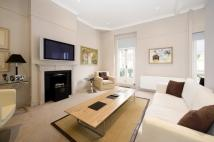 2 bed Mews in QUEEN'S GATE PLACE MEWS...