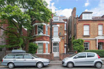 Studio apartment for sale in Rosebery Road, Brixton...