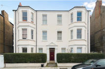 2 bedroom Flat in Hackford Road, Oval, SW9