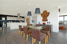 Flat for sale in New Park Road, Brixton...