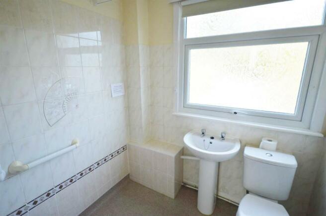 19 rossendale bathro
