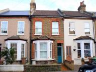 Cottage for sale in Kings Road...