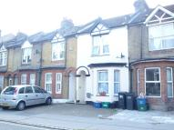 2 bed house in Edridge Road, Croydon...