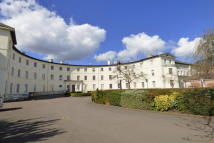 3 bedroom Apartment to rent in The Crescent, Gloucester