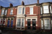 3 bed Flat to rent in ** 3 LARGE BEDROOMS **...