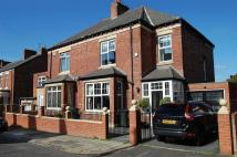 3 bed semi detached house in ** STUNNING INTERIOR **...