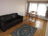 Flat to rent in Polesden Gardens...