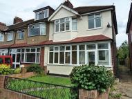 property to rent in Kingsway , Raynes Park, London. KT3 6JA