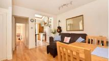2 bedroom Ground Flat in Dorien Road, Raynes Park...