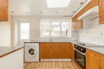 3 bed Detached property in Avenue Road, LONDON