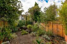 1 bed Ground Flat in Springfield Road, LONDON...