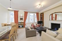 2 bedroom Flat in Westgate Terrace, London...