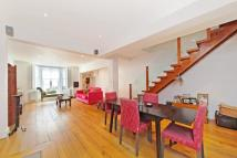 2 bedroom Ground Flat in Finborough Road, London...