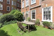 4 bedroom Ground Flat in Coleherne Court...