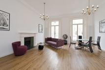 Flat in Harcourt Terrace, London...