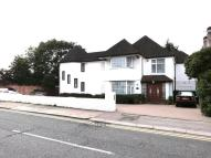 5 bedroom Detached house in WAYSIDE, GOLDERS GREEN...