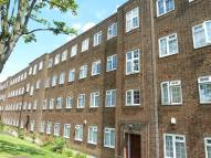 Ground Flat in BRENT STREET, London, NW4