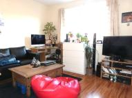 Studio flat to rent in POWIS GARDENS, London...