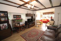 3 bed Detached property in RANELAGH DRIVE, Edgware...