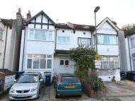 SUNNY GARDENS ROAD Ground Flat to rent