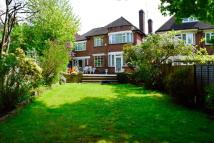 5 bed Detached home in HIGHVIEW GARDENS, LONDON...
