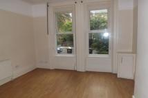 Flat to rent in Alexander Road...