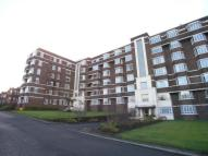 4 bed Flat in Kelvin Court, Anniesland...