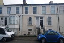 Flat to rent in Marine Parade, Sheerness