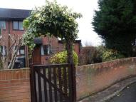 1 bedroom house to rent in Queens Park Gardens...
