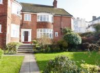 4 bed Apartment in Lansdowne Road,  Hove...